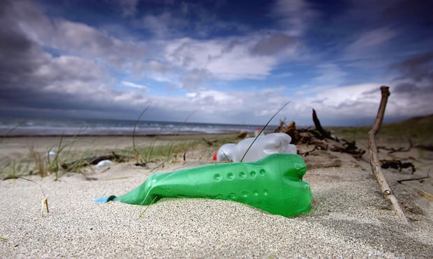Scientists seek public's help to map plastic on UK beaches